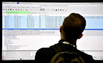 هجمات الكترونية تعطل باي بال، وتويتر، ومواقع أخرى