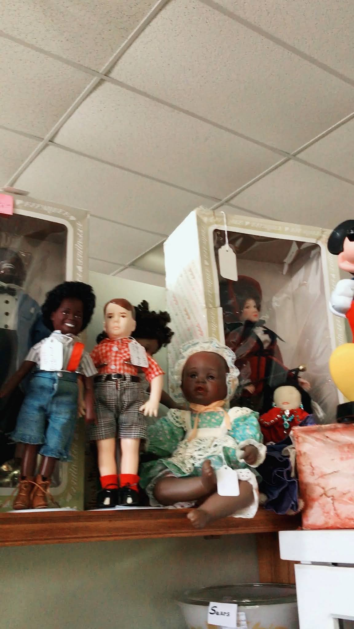 All About Those Quirky Finds: MADTV, Tea Pots, And Dolls!