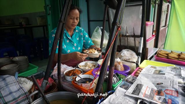 Soto Pangkru di Talun Blitar