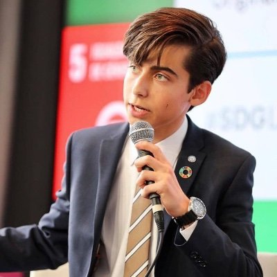 Aidan Gallagher age, height, birthday, feet, age, wiki, biography