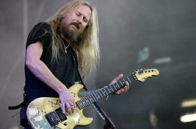 Jerry Cantrell de Alice in Chains tiene listo su nuevo álbum en solitario