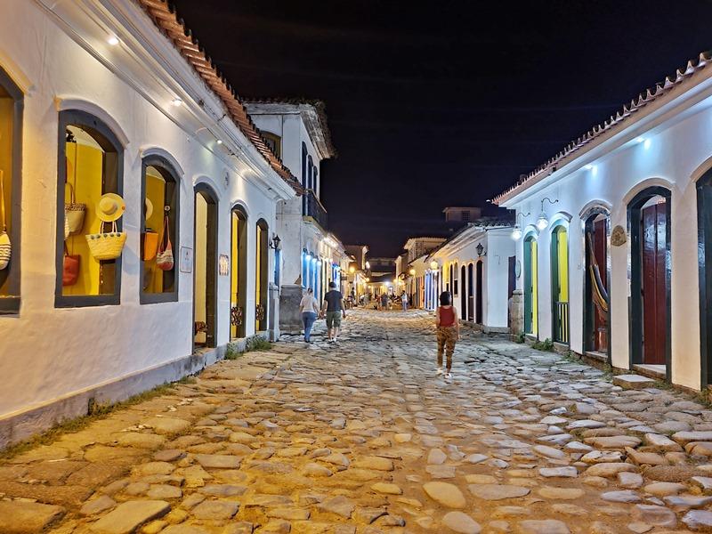 Noite em Paraty: Rua do Comércio