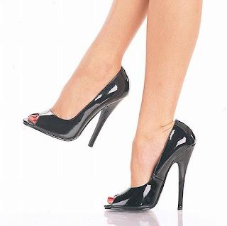 Sepatu 'High Heels'