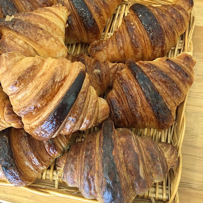14-Croissant-Seiji-Kawasaki-Mouth-Watering-Realistic-Food-Art-Made-out-of-Wood-www-designstack-co