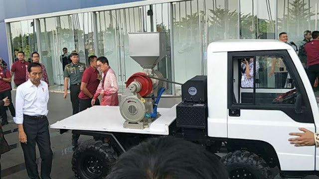 Mobil Esemka Masih dalam Persiapan Cuma 'Nggedabrus' Jokowi alias Omong Kosong