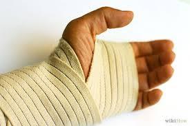 Pulso aberto como cuidar para aliviar a dor, a perda de força na mão e o incômodo que causa no braço. Pulso aberto expressão  usada para descrever dor na região do pulso. A dor na articulação do pulso pode ter várias causas: traumas, tendinite, digitacao