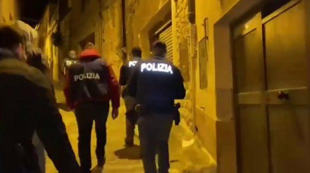 """Operazione """"Caput Silente"""", maxi blitz antimafia della Polizia di Stato, 30 arresti per estorsioni e traffico di droga (VIDEO)"""