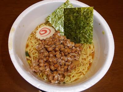 納豆にマルちゃん麺づくり(鶏ガラ醤油)