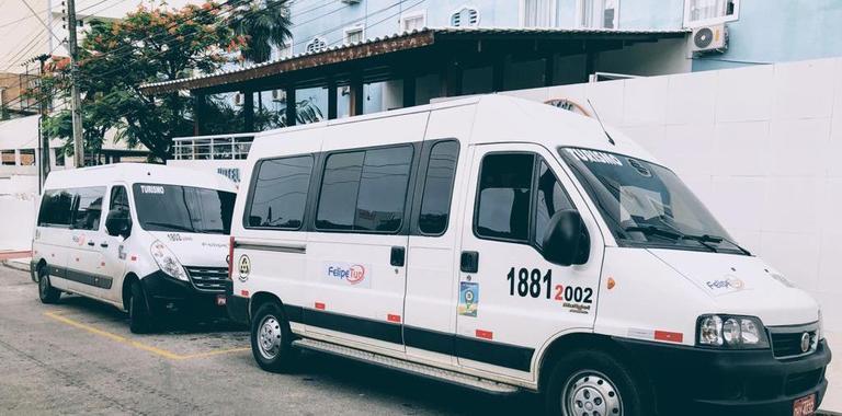 Locação de vans em fortaleza para traslados e passeios