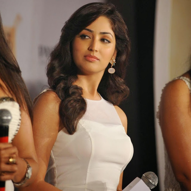 Best Images of Yami Gautam, Latest Hot Wallpaper