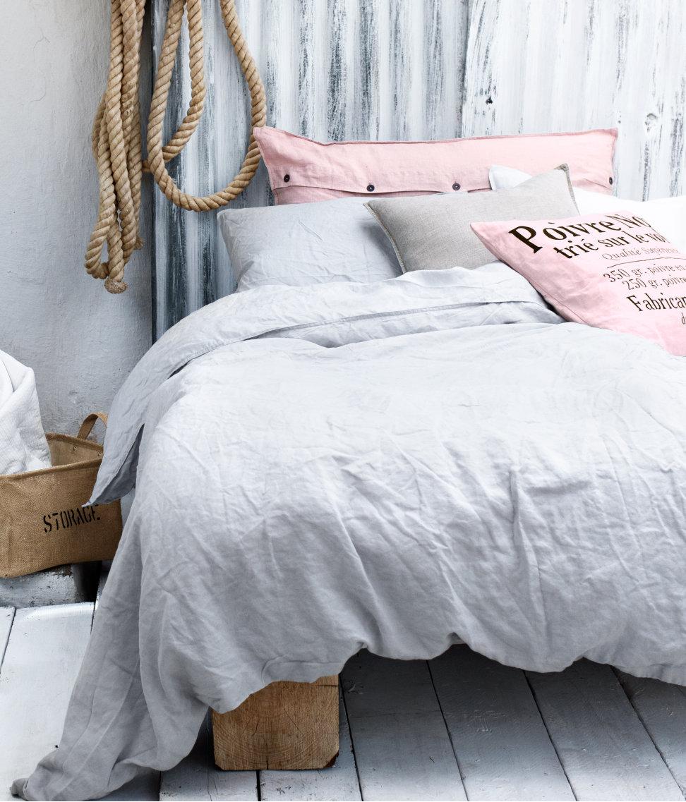 It's a house en av Sveriges största inredningsbloggar Annorlunda sänggavel