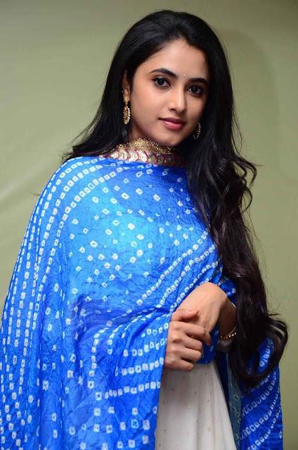 Doctor Tamil Movie Actress Priyanka Arul Mohan Cute Photo Stills Navel Queens