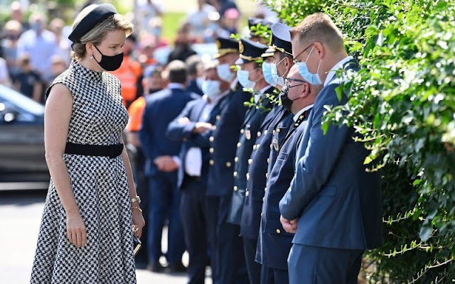 Queen Mathilde wore a houndstooth dress from Carolina Herrera. Crown Princess Elisabeth and Princess Delphine