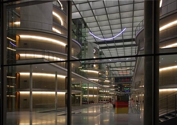парламентская библиотека Берлина