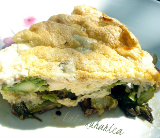 Frittata with asparagus by Laka kuharica: light springtime supper or lunch.