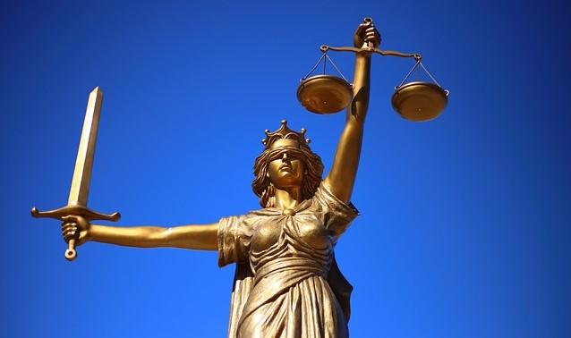 foto estatua dama de la justicia anécdotas sobre abogados