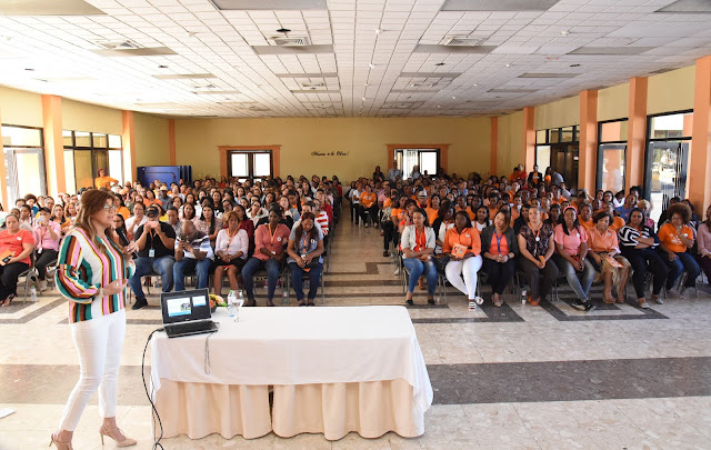 Ana Simó proclama que la educación en valores empieza desde el hogar