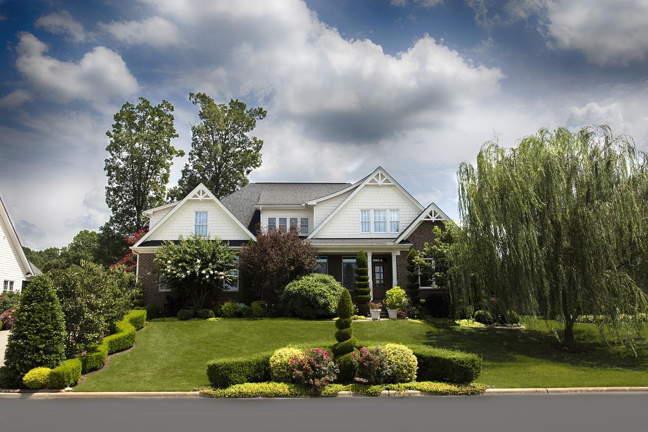 Aménagement extérieur de maison : quelle est la procédure à suivre?