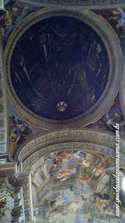 A falsa cúpola de Andrea Pozzo em Roma
