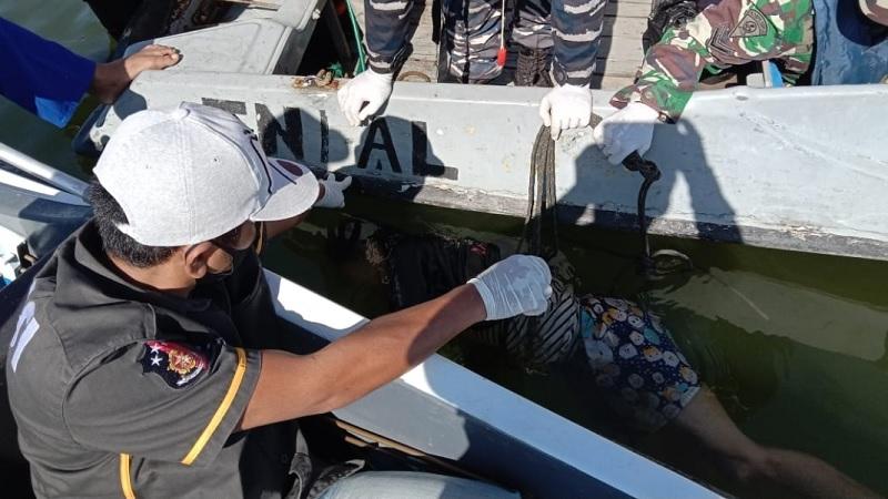 Ditemukan Seorang Mayat Lelaki Mengapung di Perairan Muara Kendawangan, Ketapang Kalbar