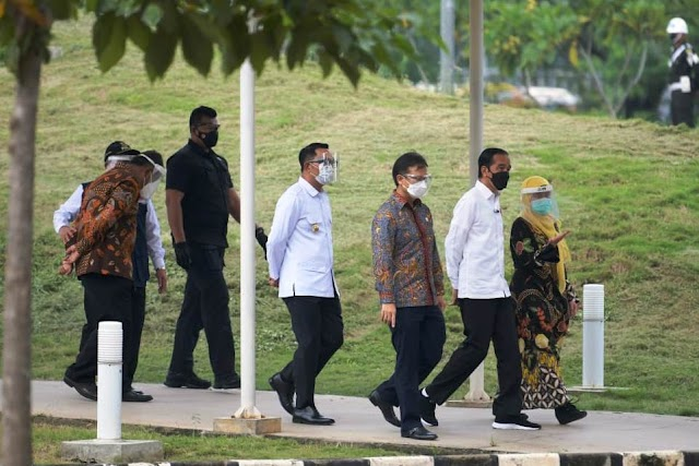 Gubernur Jabar Dampingi Presiden Jokowi Tinjau Vaksinasi Massal di RSUI Depok
