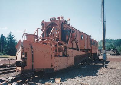 Southern Pacific Jordan Spreader SPMW #4047 in Oakridge, Oregon, on July 18, 1997