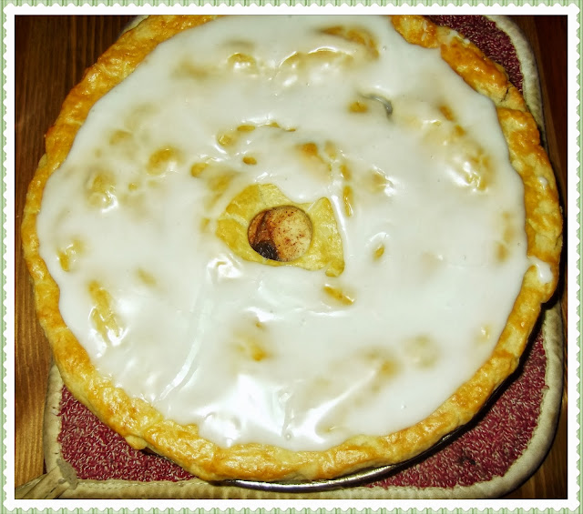 Rosie's Country Baking: Dutch Apple Pie With Raisins And