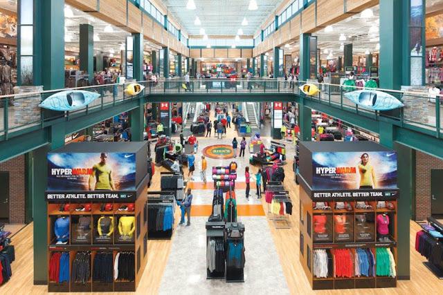 Loja de esportes DICK'S Sporting Goods em Orlando: interior e produtos