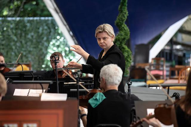 Mozart: Le nozze di Figaro - Lada Valešová and City of London Sinfonia - Opera Holland Park (Photo Ali Wright)