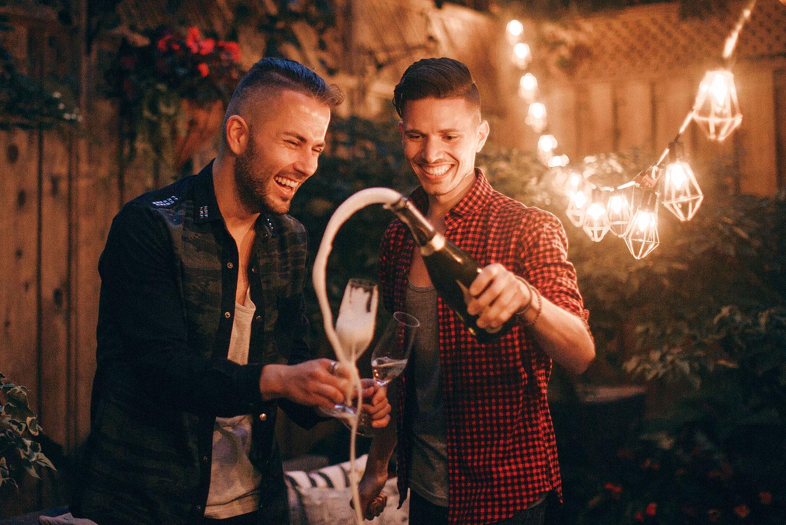 Meet The Sparkling Winos