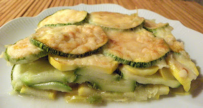 side view of scalloped summer squash