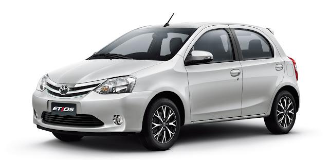 Toyota Etios Platinum Automático 2017 - Branco Perolizado