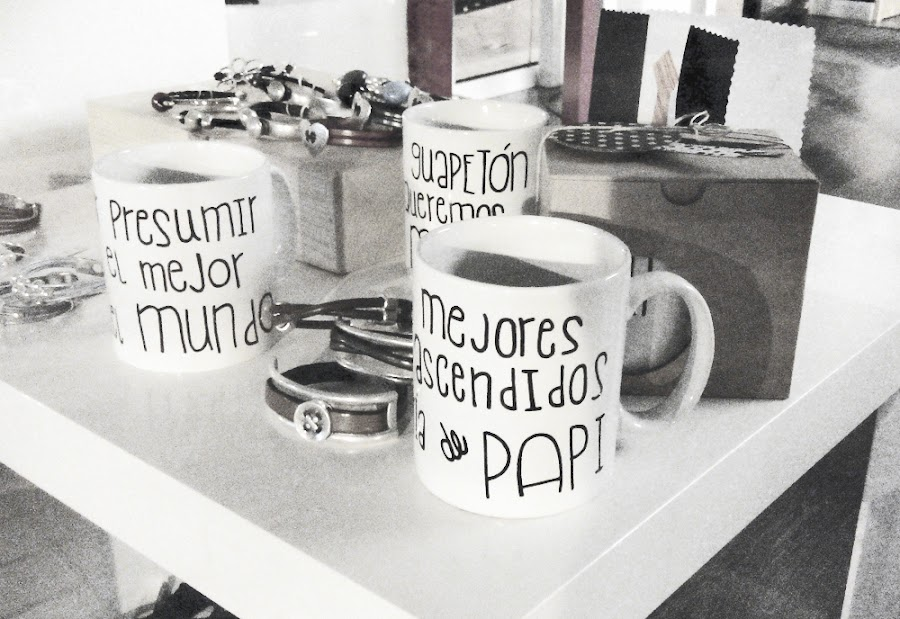 Tazas con frases Día del Padre, San Valentín, Gente feliz HMMD Handmademaniadecor. Tazas personalizadas ideal como regalo. Customized mugs for Father´s Day, Saint Valentine, Mother´s Day. Ideal as gift.