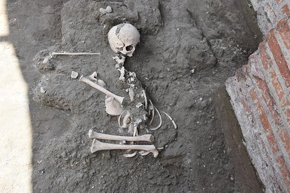 Σκελετός παιδιού αποκαλύφθηκε στην Πομπηία