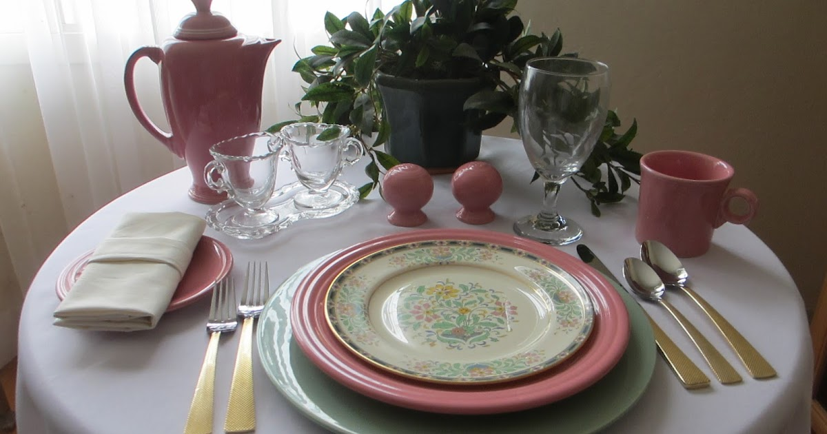 Table for one simple fiesta ware and lenox luncheon table for Table 6 lenox