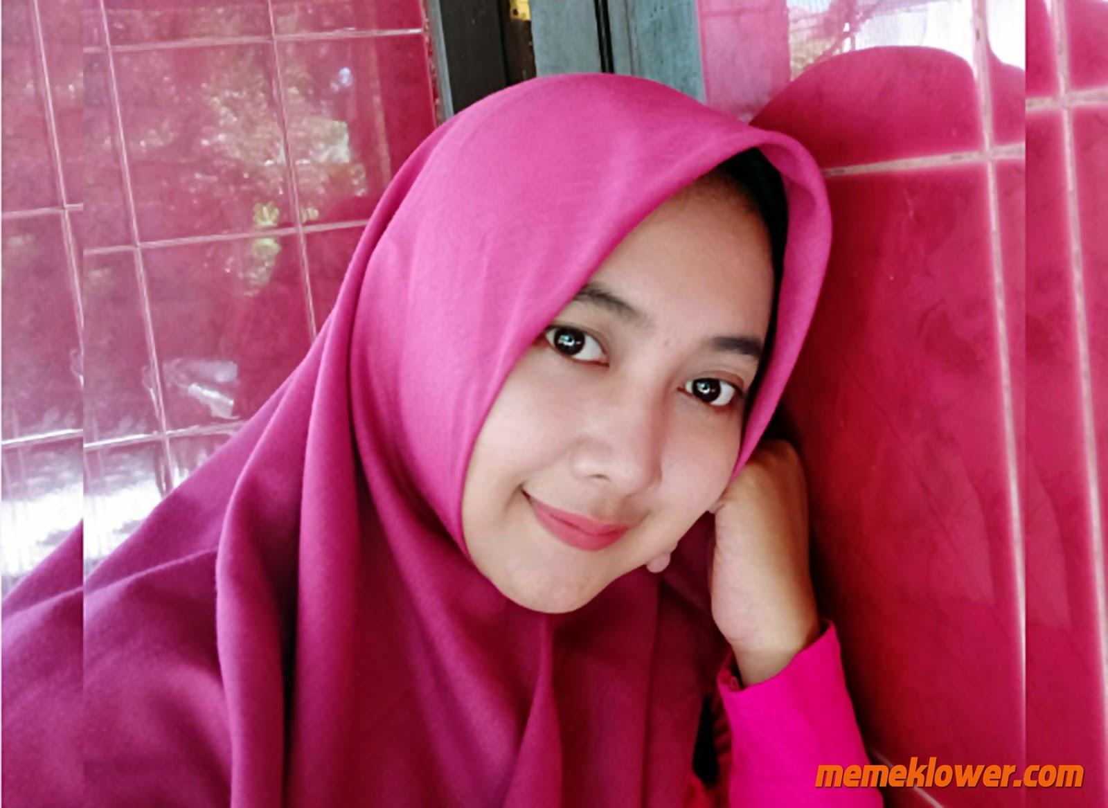 foto-bugil-tante-cantik-jilbab-montok-telanjang-1