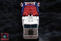 Transformers Kingdom Ultra Magnus 54