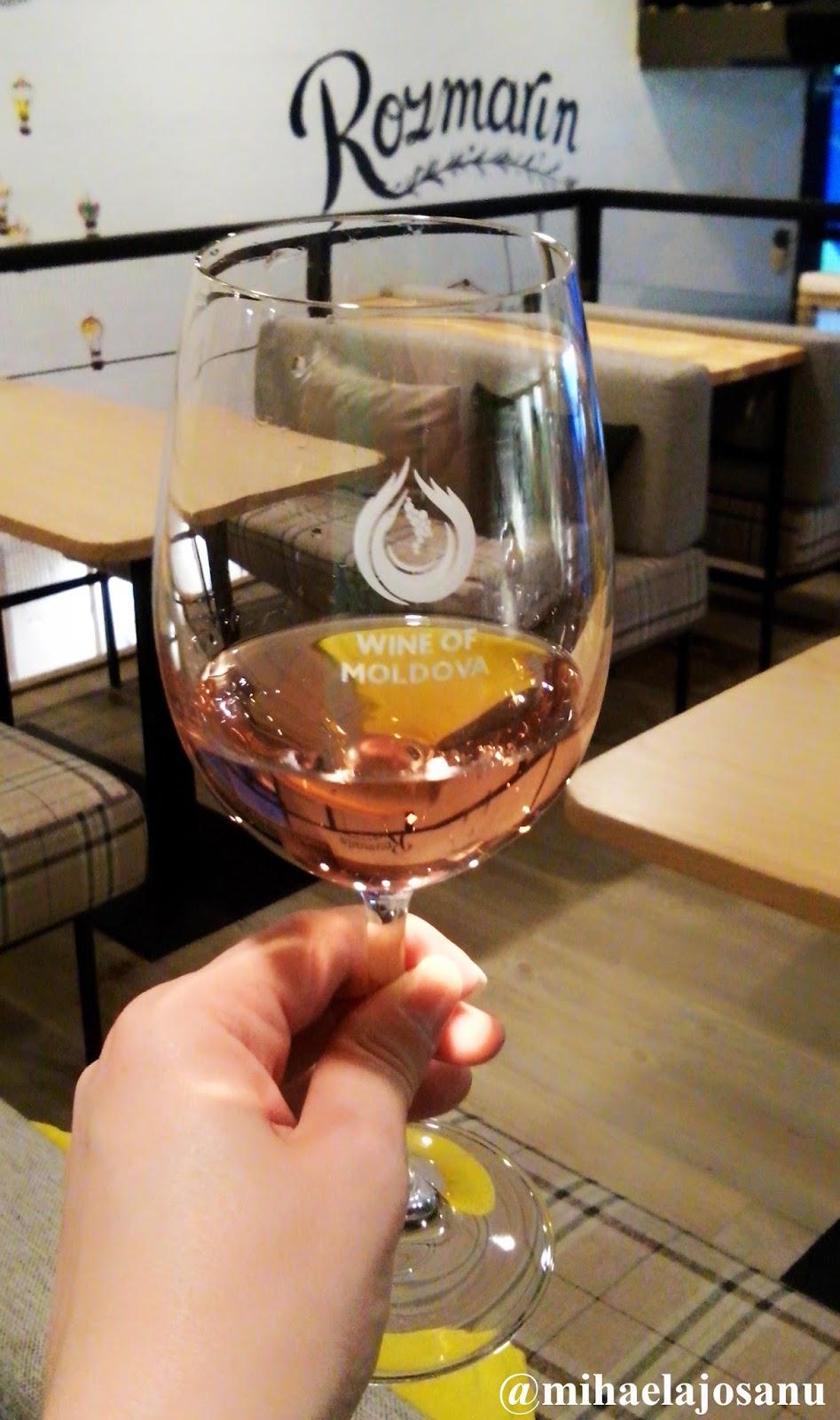 wine friendly rozmarn cafe