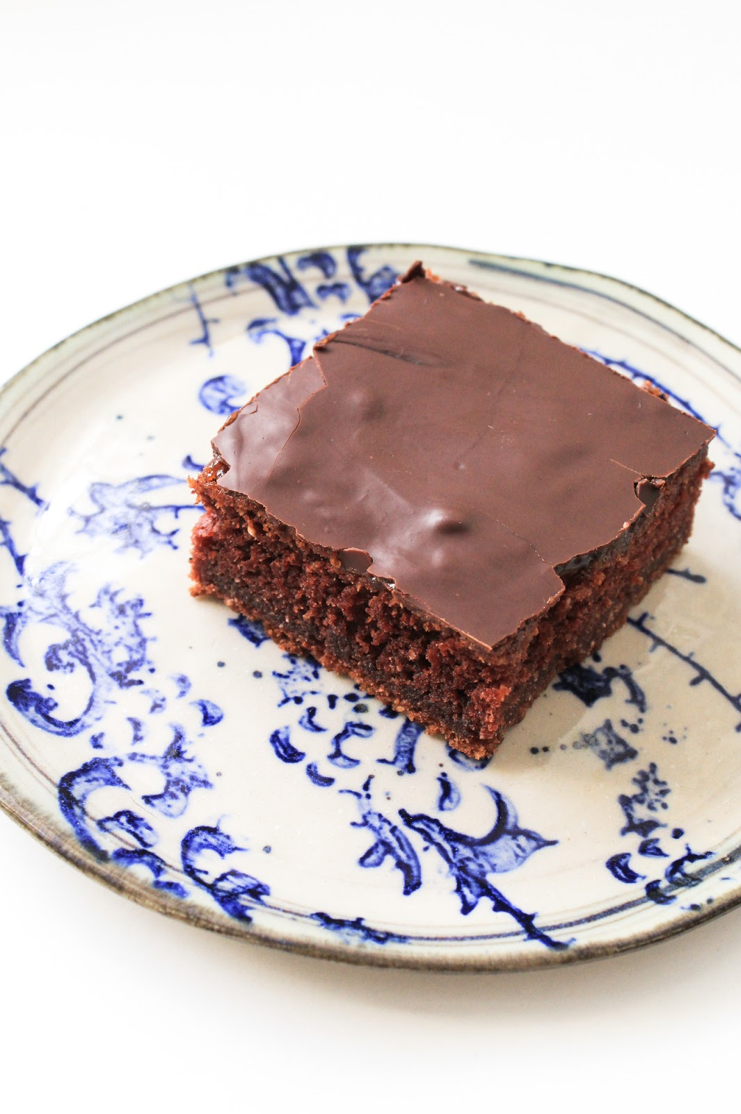 Easy Delicious Vegan Brownie Dessert, no dairy, no eggs. Biskvit brez mleka in jajc, veganski.