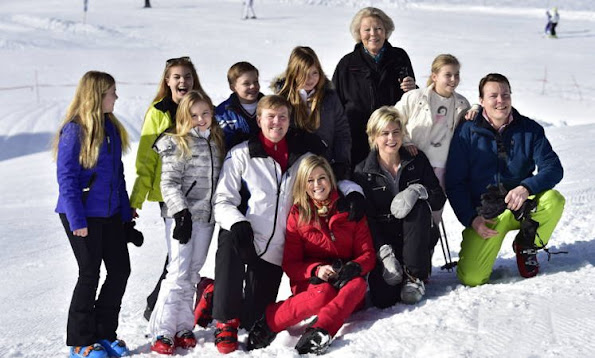 King Willem-Alexander, Queen Maxima, Princess Beatrix, Princess Amalia, Princess Alexia, Princess Ariane, Prince Constantijn and Princess Laurentien of The Netherlands pose at the annual winter photocall