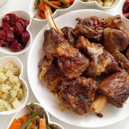 لحم مشوي في الكوكوط