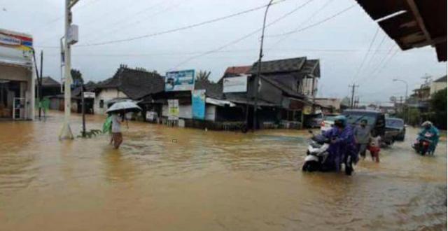 """6 Desa di Mejobo dan Jati """"Kebanjiran"""""""
