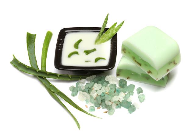 Comment faire du savon à l'aloe vera pour éliminer l'acné et les rides