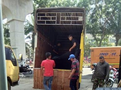 Ekspedisi Truk Surabaya Padang