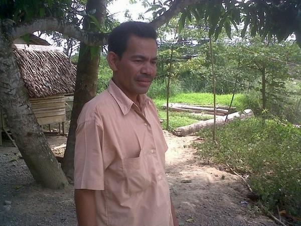 Warga berinteraksi dengan Suku Mante Aceh