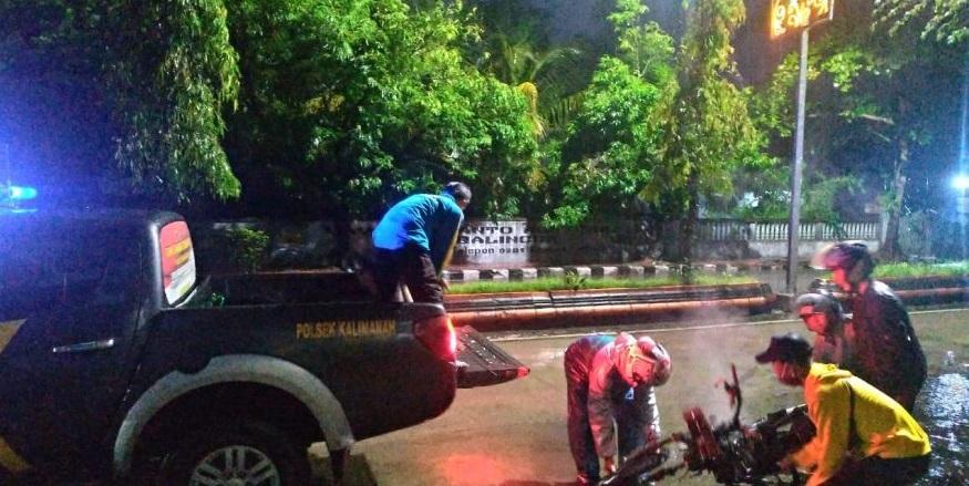 Honda Revo Terbakar di Jalan Raya Kalimanah, Diduga Korsleting
