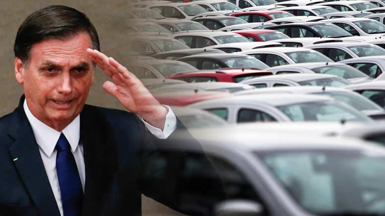 Objetivo, segundo o governo, é evitar fraudes e diminuir custos de fiscalização. Acidentes até o fim de 2019 continuam cobertos  presidente Jair Bolsonaro (PSL) editou, nesta segunda-feira (11/11/2019), medida provisória que, na prática, extingue Seguro Obrigatório de Danos Pessoais causados por veículos automotores de via terrestre, ou por sua carga, a pessoas transportadas ou não, o chamado DPVAT.  O texto da MP será publicado no Diário Oficial da União dessa terça-feira (12/11/2019) e se tornará lei até o Congresso analisar. Os parlamentares têm até 180 dias para aprovar ou negar a medida.  Os acidentes ocorridos até o dia 31 de dezembro deste ano continuam cobertos pelo DPVAT. Sendo assim, a Seguradora Líder continua à frente dos procedimentos referentes a esses acidentes até o fim de 2025.  Depois dessa data, a União se responsabilizará por essas obrigações.