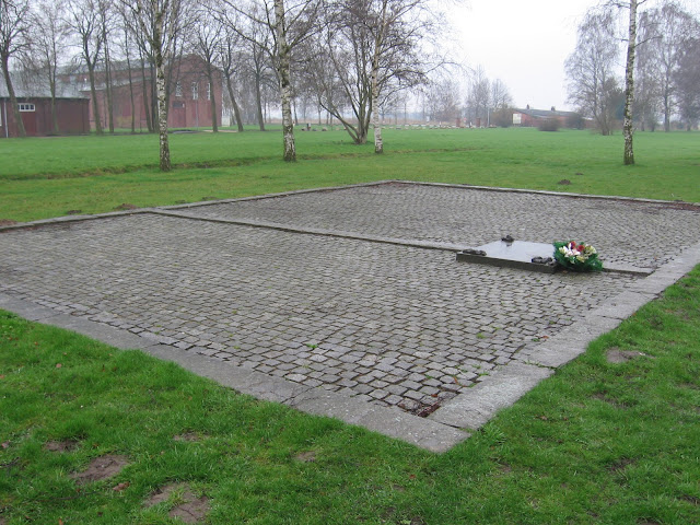 neuengamme-placa-crematorio