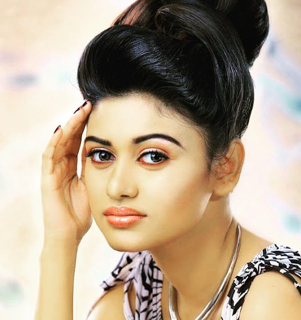 Oviya Biography and Wiki and Biodata and Age