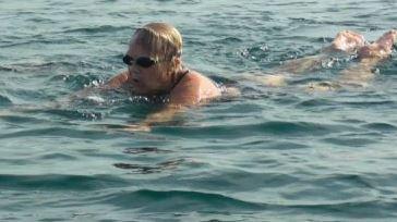 Wow! Nenek 81 Tahun Ini Berhasil Berenang Sejauh 3 Km di Perairan Bali